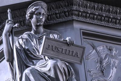 Justizia_Q.pictures_pixelio.de