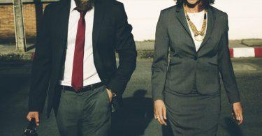 Angestellte und Beamte im öffentlichen Dienst bekommen mehr Geld