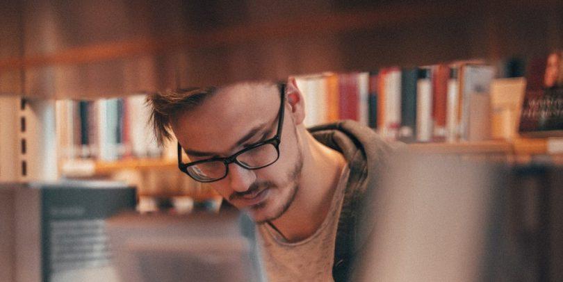 Student junger Mensch Studium